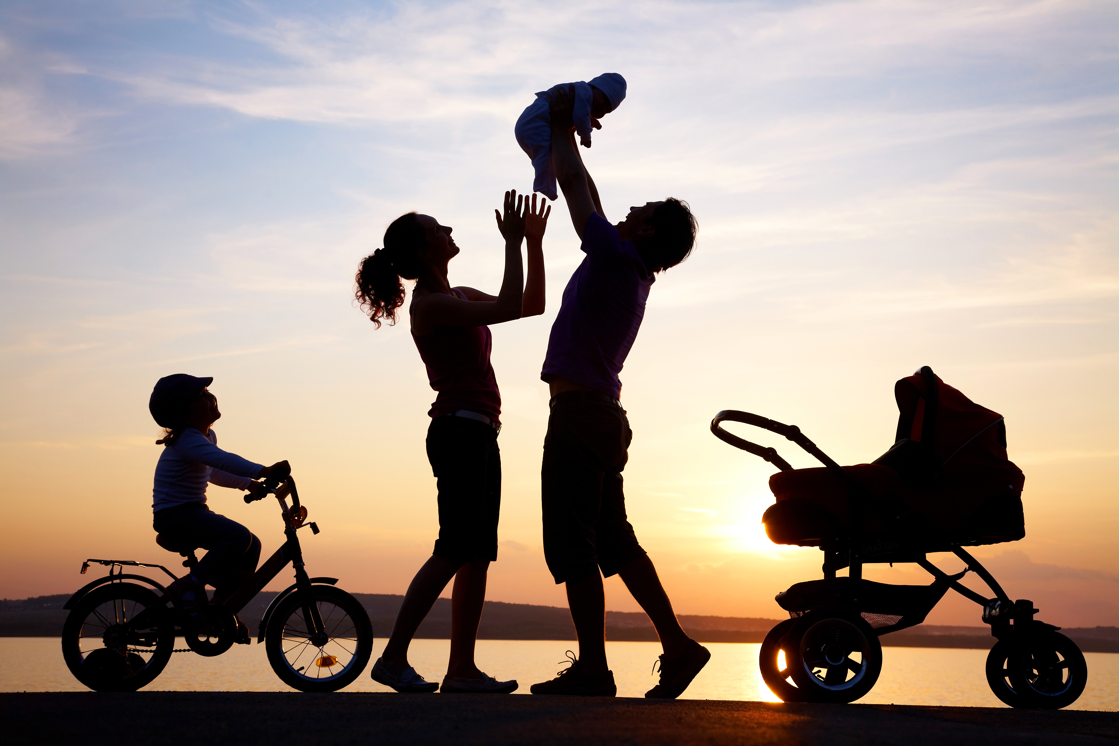 750-happy-family-silhouette[1]
